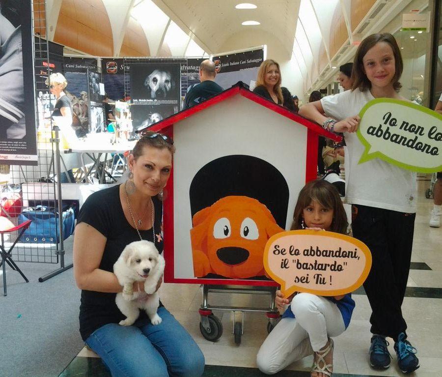 eventi-sensibilizzazione-campagna-contro-abbandono-animali-centro-commerciale-2