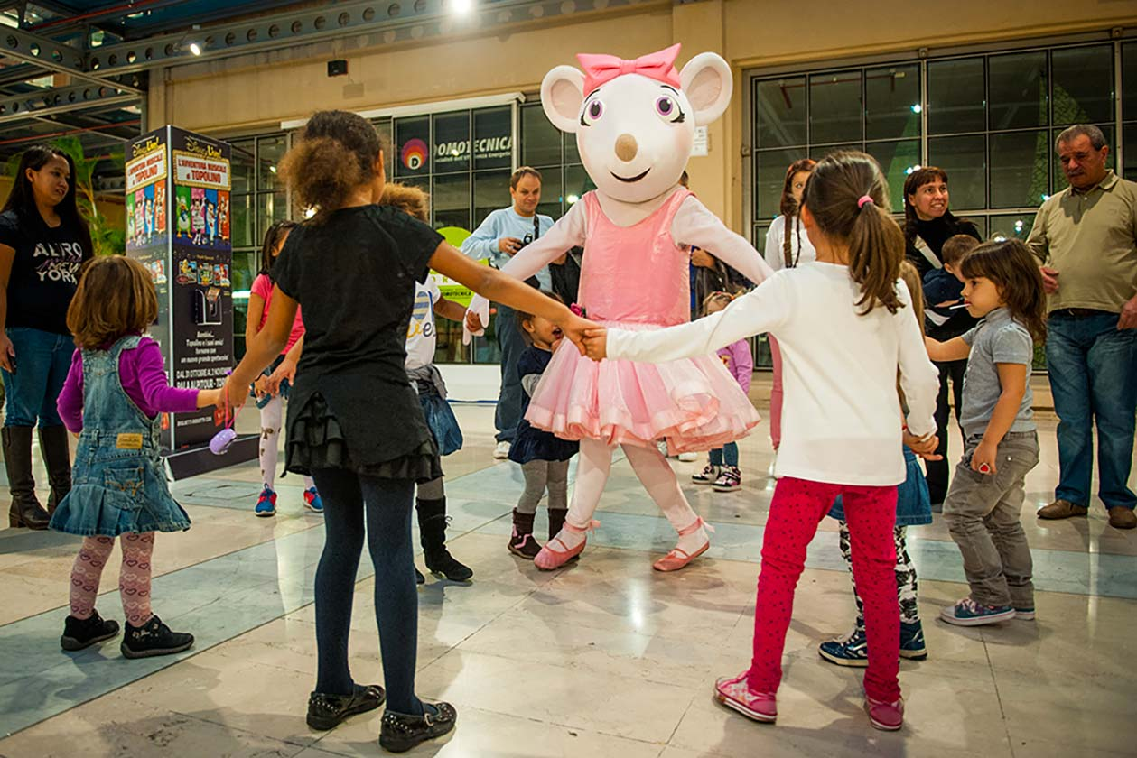 evento-con-Angelina-Ballerina-al-centro-commerciale-4