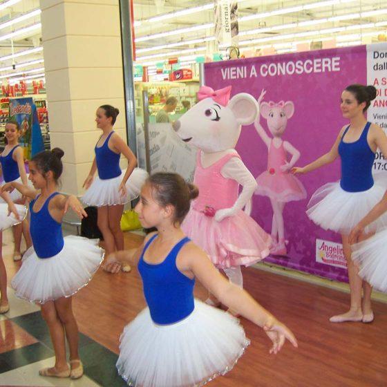 evento-con-Angelina-Ballerina-al-centro-commerciale-6