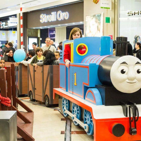 evento-con-trenino-Thomas-al-centro-commerciale-6