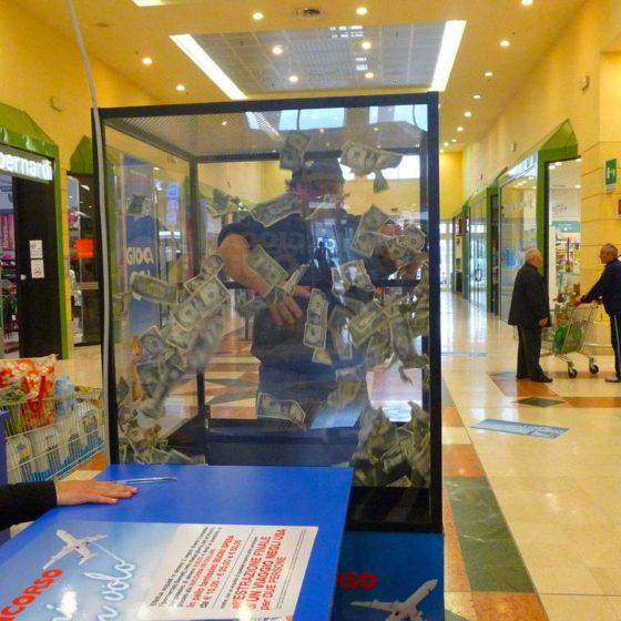 evento-concorso-premi-in-volo-teca-con-soldi-centro-commerciale-5
