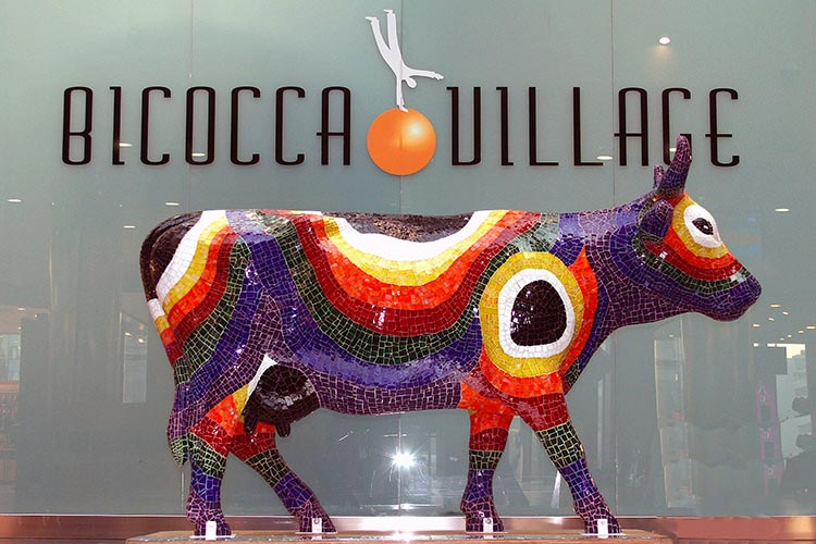 evento-cowparade-arte-contemporanea-centro-commerciale-1