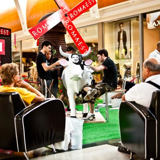 evento-cowparade-arte-contemporanea-centro-commerciale-8