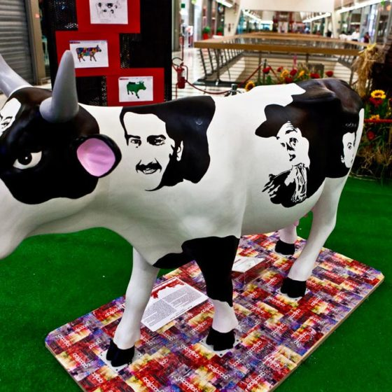 evento-cowparade-arte-contemporanea-centro-commerciale-9
